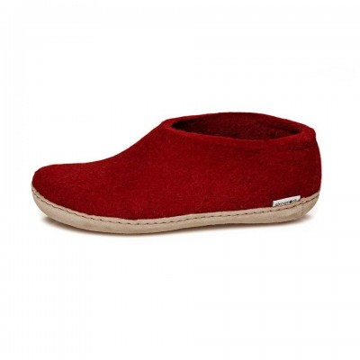 Shoe red